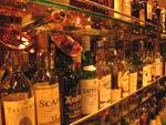 島根県江津市 ショットバー「ドル」レアなお酒も。